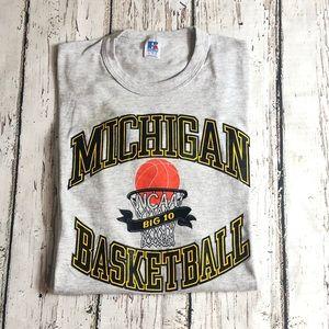 Vintage Michigan Basketball T-Shirt NCAA VTG